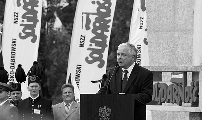 W katastrofie zginął m.in. prezydent Polski - Lech Kaczyński. Na zdjęciu podczas wizyty w Jatrzębiu w rocznicę podpisania Porozumień Jastrzębskich.