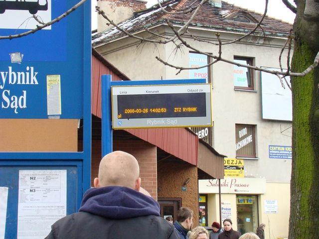 Teraz tablice świetlne znajdują się na 3 przystankach w mieście.