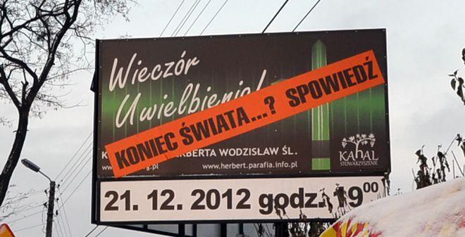 Billboard przed kościołem św. Herberta w Wodzisławiu