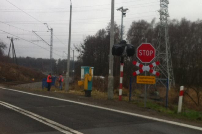 Zdjęcie wykonano na przejeździe w Wodzisławiu Śląskim. Rogatek wciąż brak