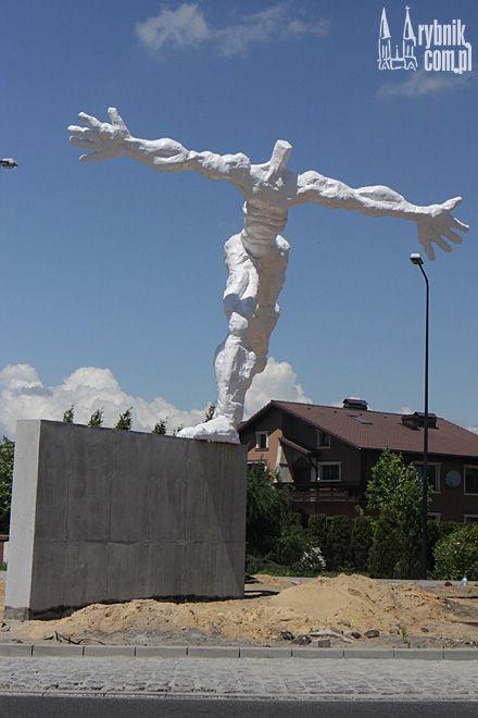 Z Tadeuszem Kmieciem rozmawialiśmy na temat rybnickiej rzeźby ''Ulotność'', ale nie tylko