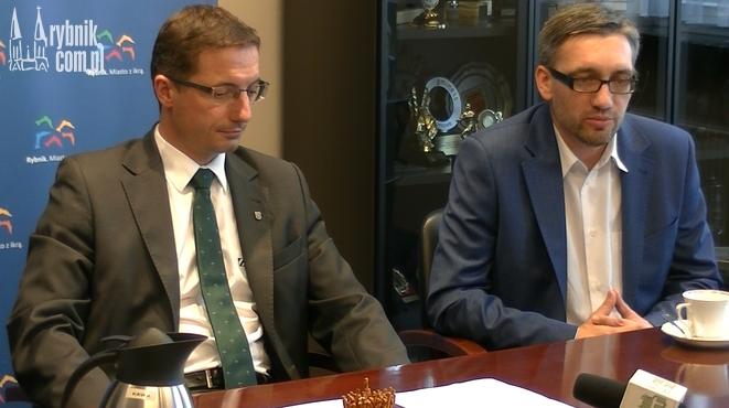 Piotr Kuczera - prezydent Rybnika i Mateusz Witański - szef firmy Buszman & Witański Consulting Group