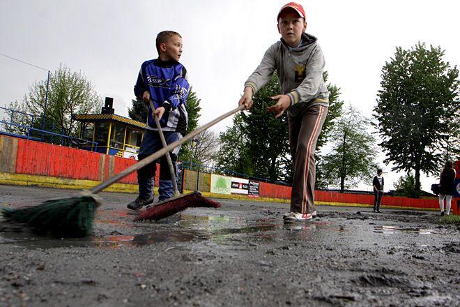 W sobotę w rozegraniu zawodów przeszkodził deszcz.
