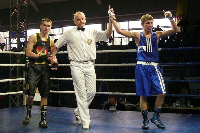 Wygląda na to, że kariera Mateusza Mazika (z prawej) na amatorskim ringu dobiega końca