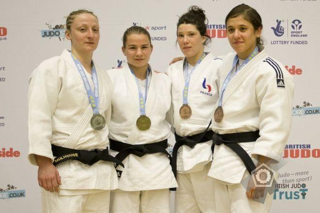 Pierwsza z prawej: Agata Perenc
