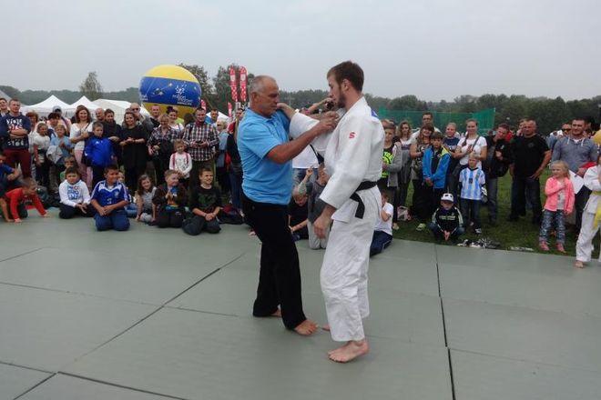 Pokaz judo wykonany przez Mariana Tałaja i Adriana Walę