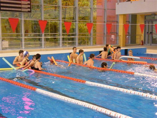 W poprzedniej edycji rozgrywek młodzież pływała z makaronem