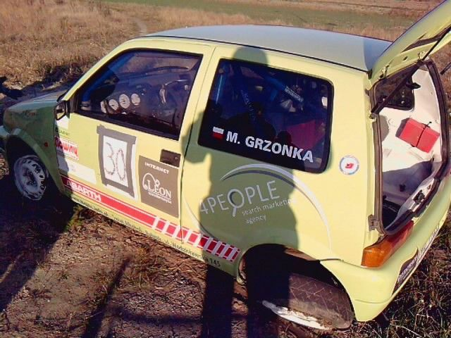 Uszkodzone auto...