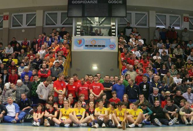 """2 stycznia w turnieju """"Gloria Victis - gramy dla Cześka"""" zagrały 33 drużyny"""