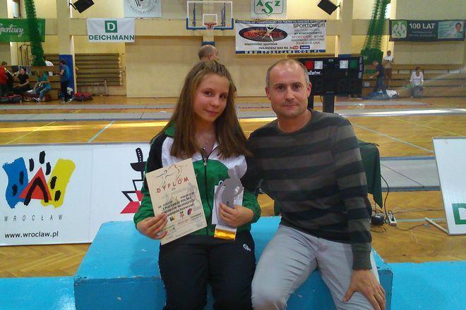 Anna Mroszczak z trenerem, Arturem Fajkisem