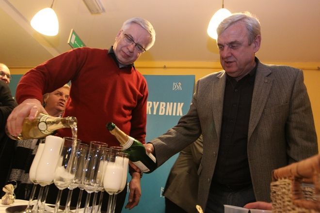 ./pliki/v2/wybory/fudali_szampan.jpg, Dominik Gajda