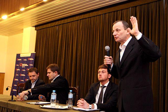 Podobnie jak w 2011 roku Józefowi Makoszowi w kampanii wyborczej pomagał będzie Marek Jędrośka (drugi z lewej)