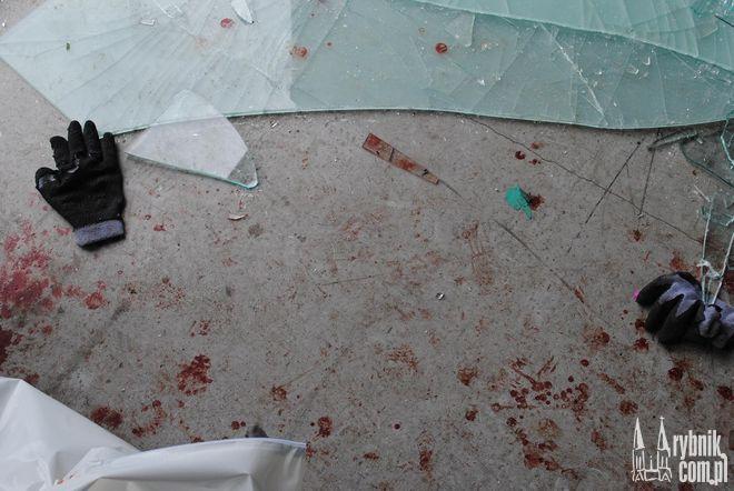 Szyba zabiła pracownika zakładu szklarskiego a dwóch raniła