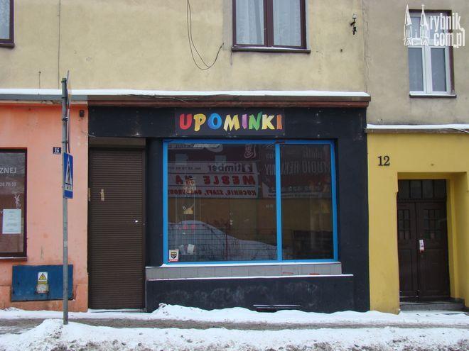 Sklep przy Gliwickiej był drugim sklepem z ''upominkami'', w którym sprzedawano dopalacze