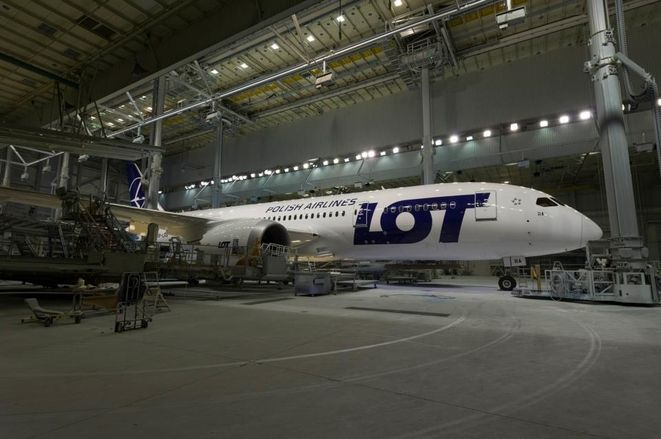 Dreamliner w barwach LOT-u podczas przez ostatnie tygodnie szykowany był do wylotu w Stanach Zjednoczonych