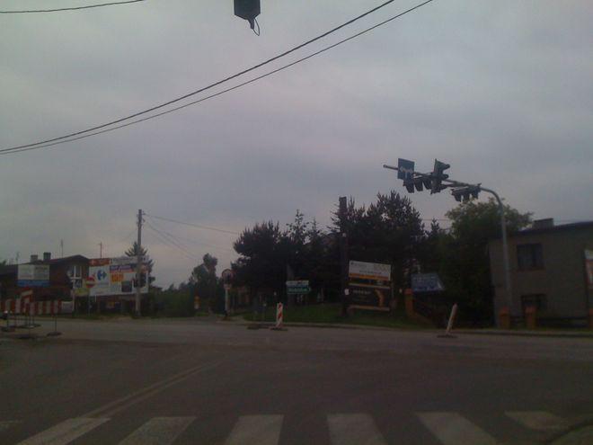 Od kilku dni do centrum można dojechać również ulicą Dolną.