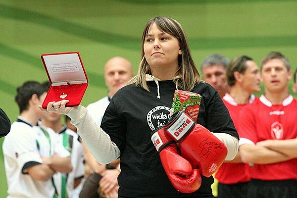 Licytowane były m.in. rękawice Iwony Guzowskiej.