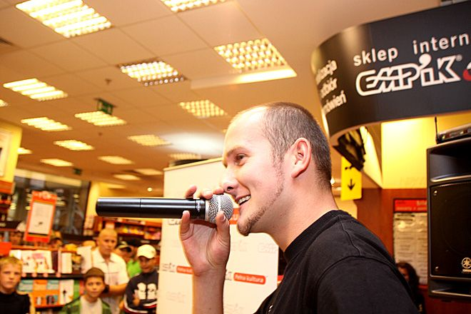 ./pliki/v2/wywiady/2009/grubson_dg.jpg, Dominik Gajda