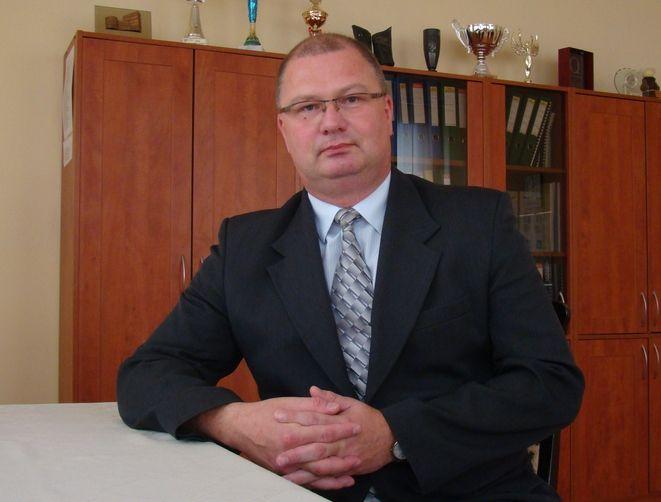 Pięcioletnia kadencja kończy się m.in. Markowi Holonie - dyrektorowi Zespołu Szkół Mechaniczno-Elektrycznych.