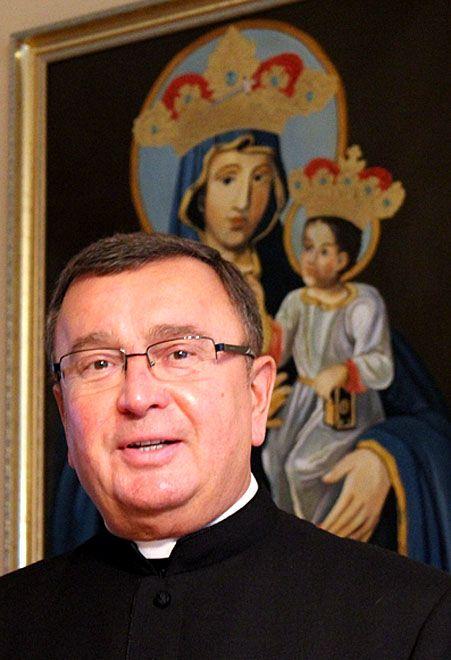 Ks. Karol Matera odchodzi na parafię w Brzeźcach