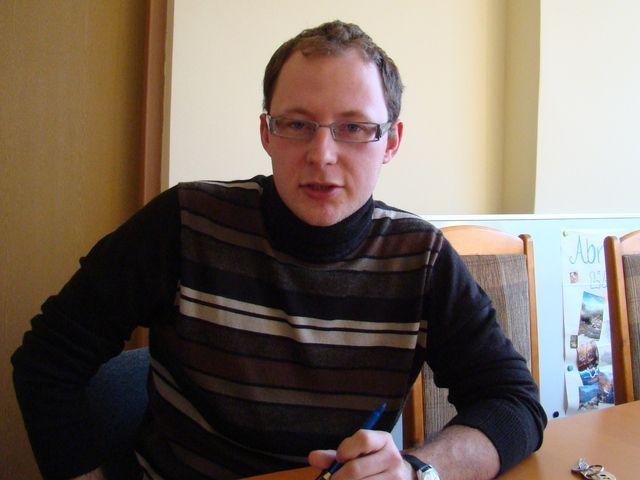 Oszczędzanie na organizacjach pozarządowych nie podoba się Piotrowi Masłowskiemu