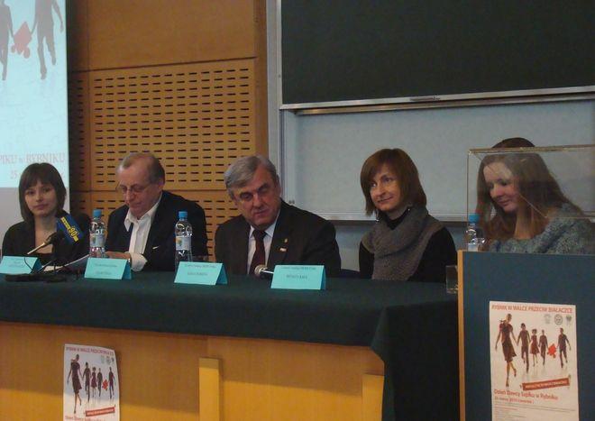 O problematyce przeszczepów szpiku dyskutowano podczas konferencji na rybnickim kampusie.