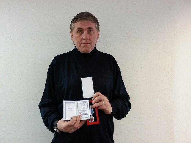 """Marek Kuna z Rybnika otrzymał odznakę """"Honorowego Dawcy Krwi - Zasłużonego dla Zdrowia Narodu"""""""